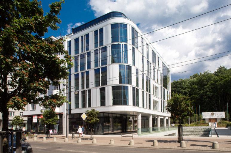 Lucyna-Lewandowska-architektura-biurowiec